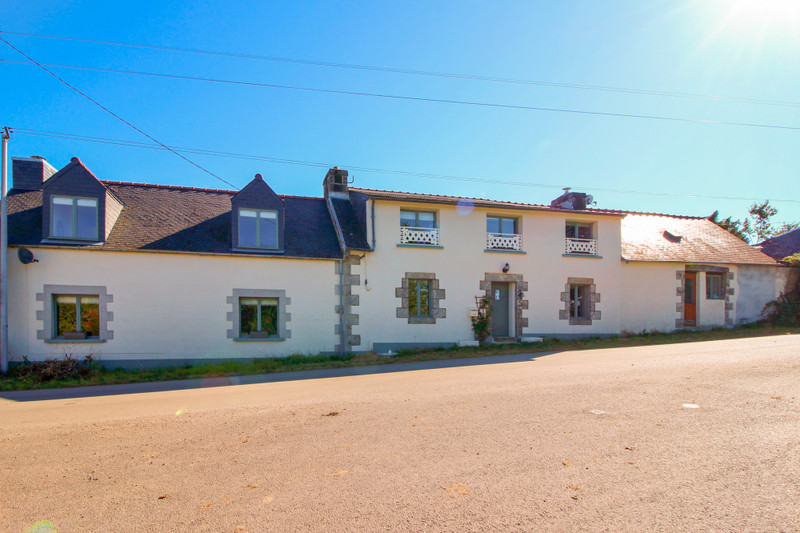 French property for sale in Plouyé, Finistère - €129,600 - photo 2