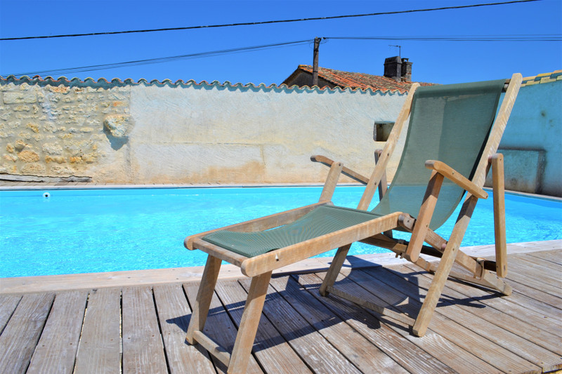 French property for sale in Angoulême, Charente - €336,000 - photo 10