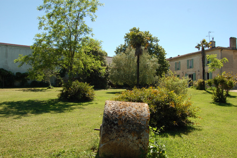 French property for sale in ARBIS, Gironde - €1,575,000 - photo 10