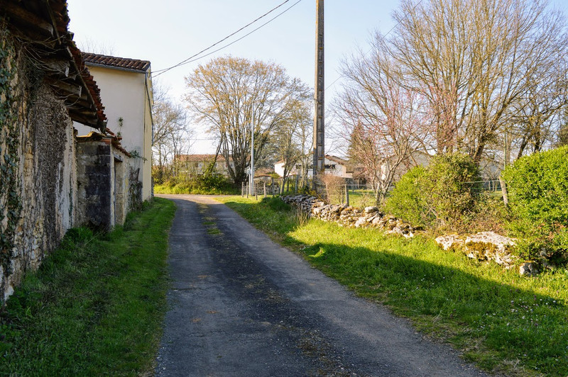 French property for sale in Lussac, Charente - €68,160 - photo 10