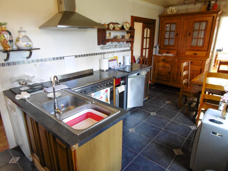French property for sale in Huelgoat, Finistère - €189,000 - photo 7