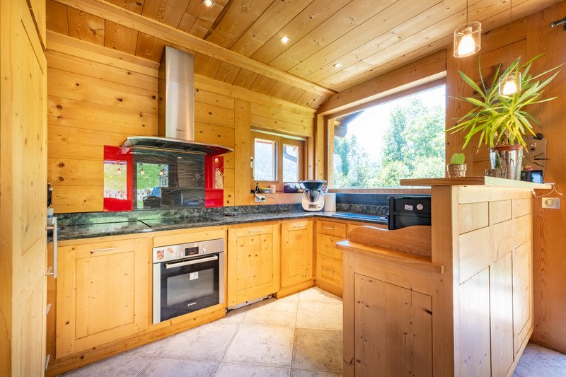 French property for sale in Les Allues, Savoie - €915,000 - photo 6