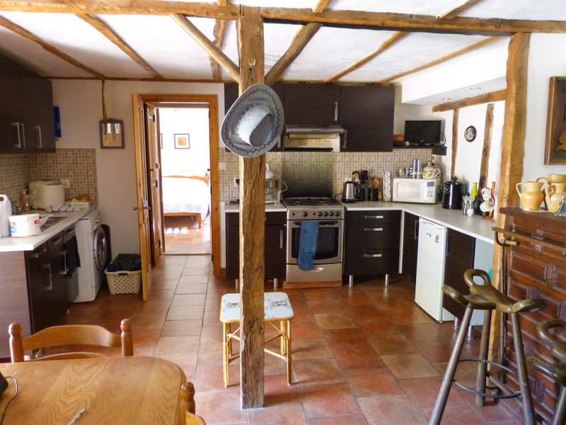 French property for sale in Étagnac, Charente - €199,000 - photo 3