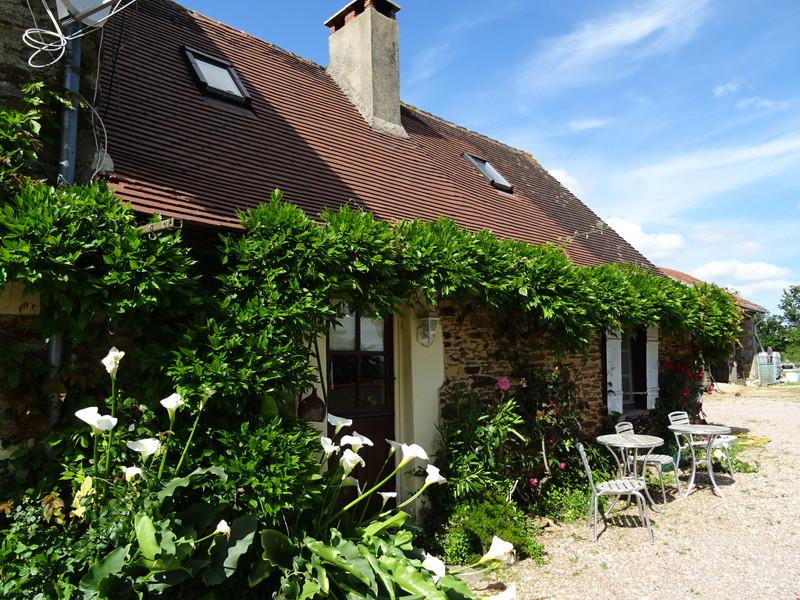 French property for sale in Saint-Jory-de-Chalais, Dordogne - €299,600 - photo 2