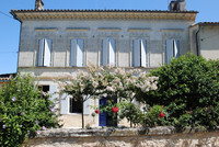 houses and homes for sale inFlaujaguesGironde Aquitaine