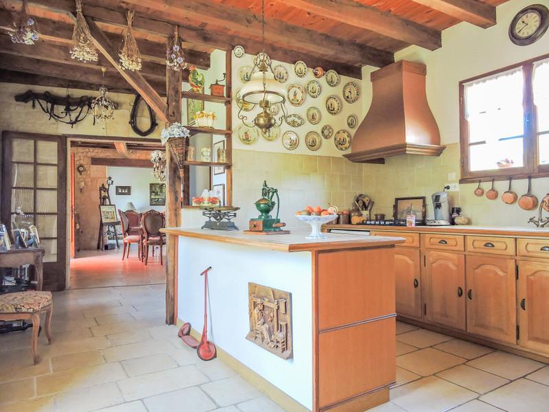French property for sale in Saint-Léon-sur-Vézère, Dordogne - €275,000 - photo 4