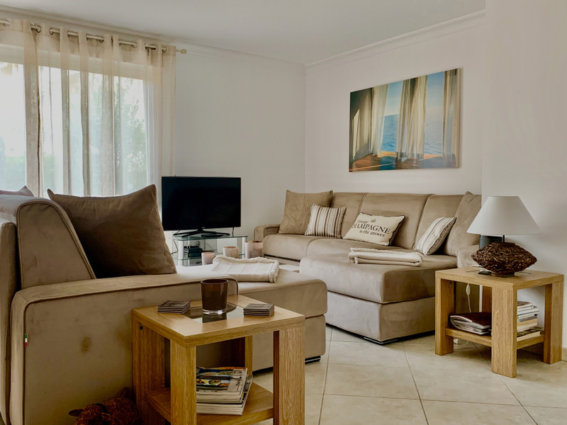 French property for sale in Cannes, Alpes-Maritimes - €660,000 - photo 5