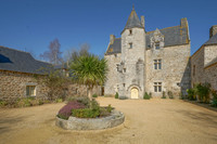 chateau for sale in BinicCôtes-d'Armor Brittany