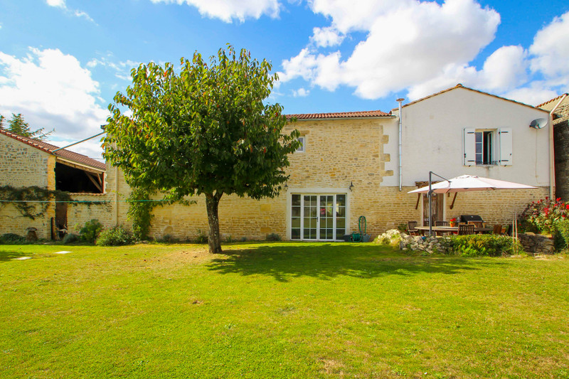 French property for sale in Fouqueure, Charente - €189,000 - photo 1