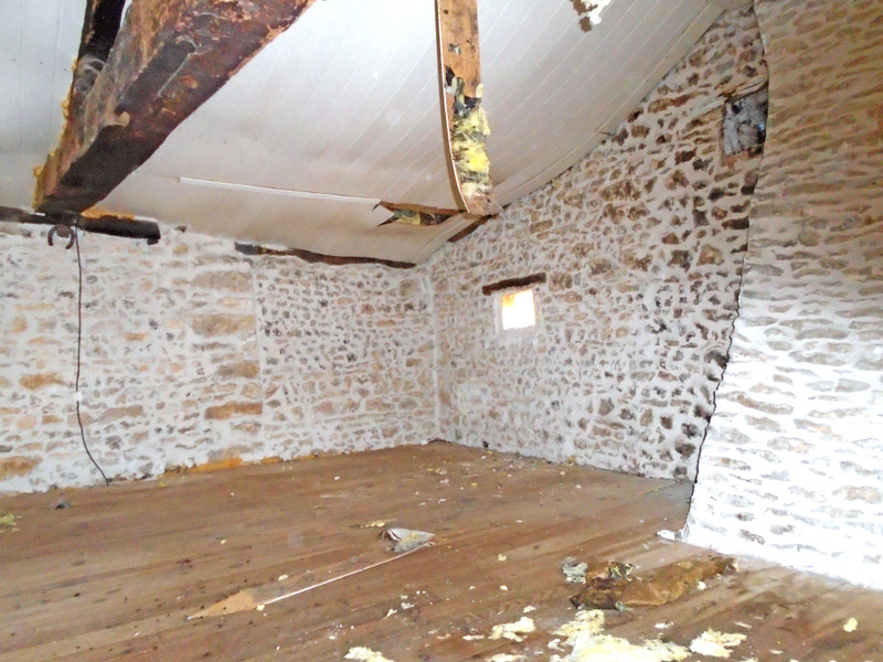 French property for sale in Benest, Charente - €27,000 - photo 9