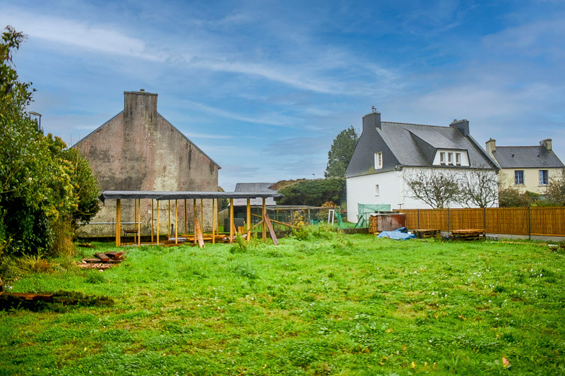 French property for sale in Plogonnec, Finistere - €49,500 - photo 2