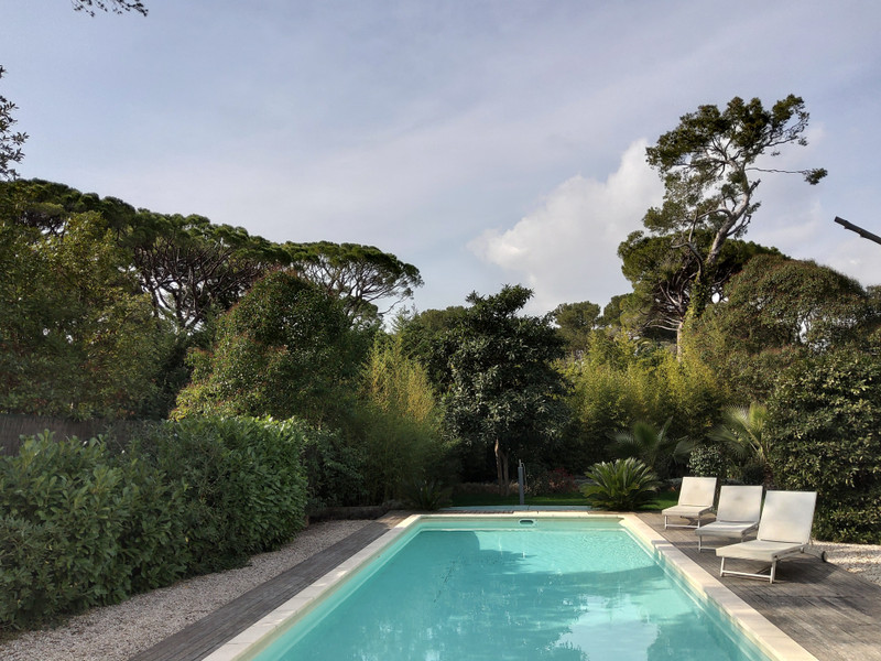 French property for sale in Le Cannet, Alpes Maritimes - €829,500 - photo 9