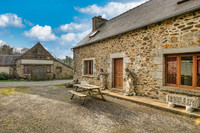 French property, houses and homes for sale in Corlay Côtes-d'Armor Brittany