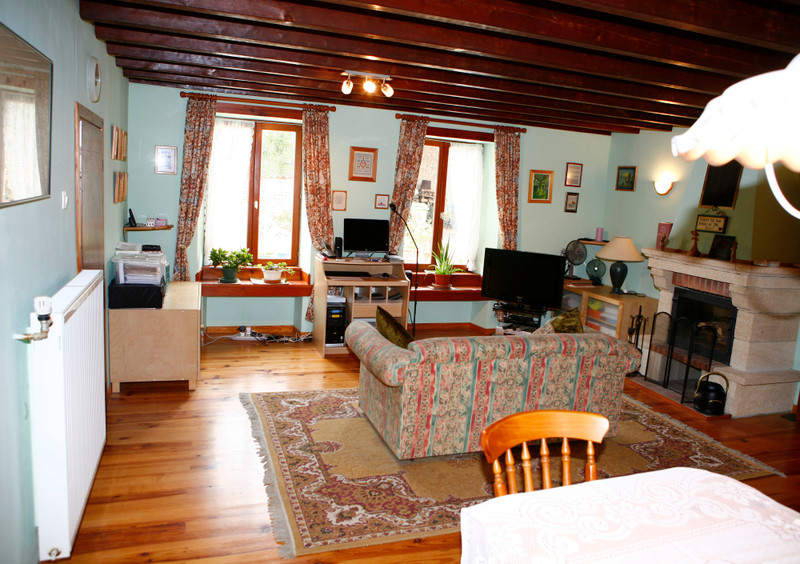 French property for sale in Fontaine-Chalendray, Charente-Maritime - €294,250 - photo 3