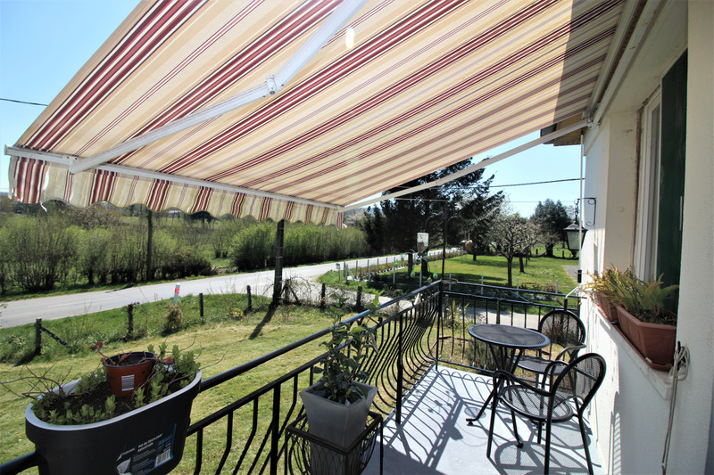 French property for sale in Le Ménil-de-Briouze, Orne - €139,500 - photo 2