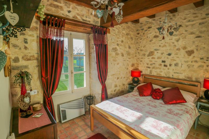 Maison à vendre à Brigueil-le-Chantre, Vienne - 79 899 € - photo 5