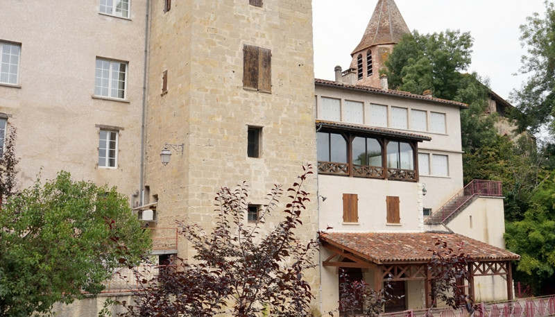 French property for sale in Casseneuil, Lot et Garonne - €477,000 - photo 2