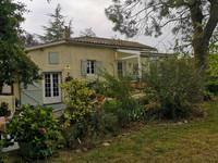 Maison de campagne rénovée, 2 chambres/2 salles de bain, nouvelle cuisine, jardin  clôture et véranda.