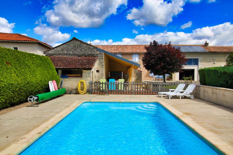French property for sale in Aubigné, Deux-Sèvres - €183,600 - photo 3
