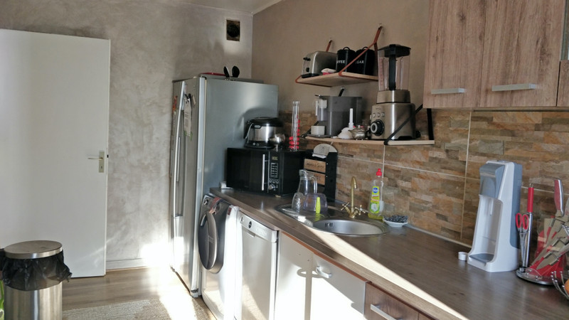 French property for sale in Cergy, Val d Oise - €195,000 - photo 2