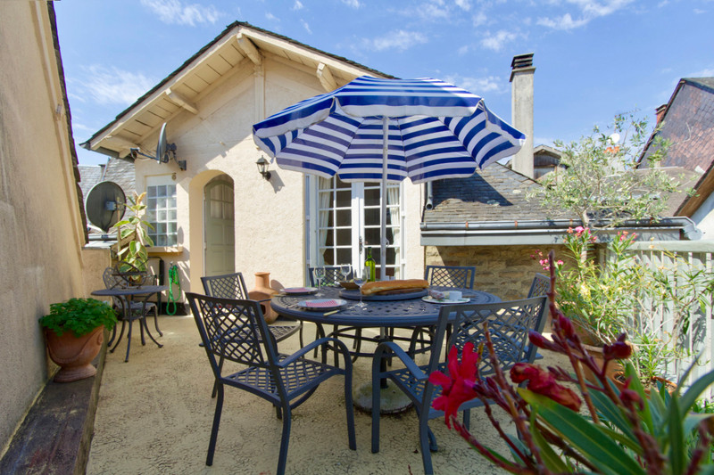 French property for sale in Uzerche, Corrèze - €179,500 - photo 2