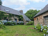 French property, houses and homes for sale in Peumerit-Quintin Côtes-d'Armor Brittany