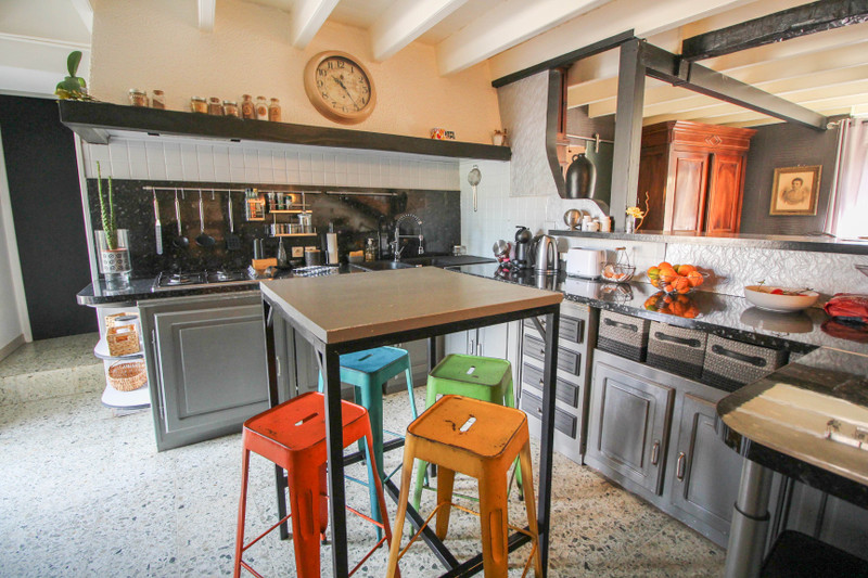 French property for sale in Ruelle-sur-Touvre, Charente - €227,900 - photo 5