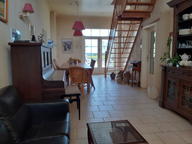 French property for sale in Mérignac, Charente Maritime - €355,100 - photo 2