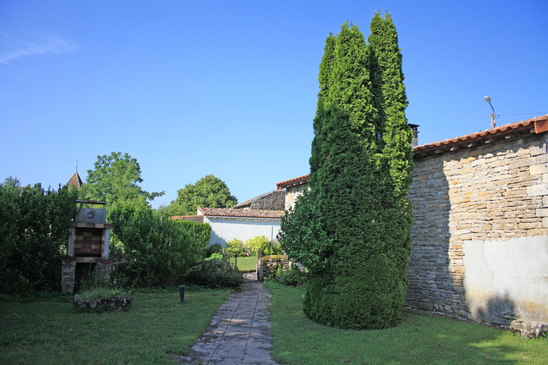 French property for sale in Villefagnan, Charente - €58,600 - photo 8