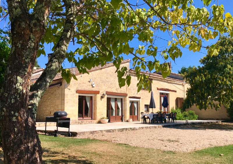 French property for sale in Villefranche-de-Lonchat, Dordogne - €424,000 - photo 2