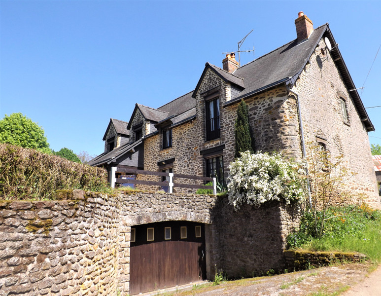 French property for sale in Champgenéteux, Mayenne - €224,700 - photo 9