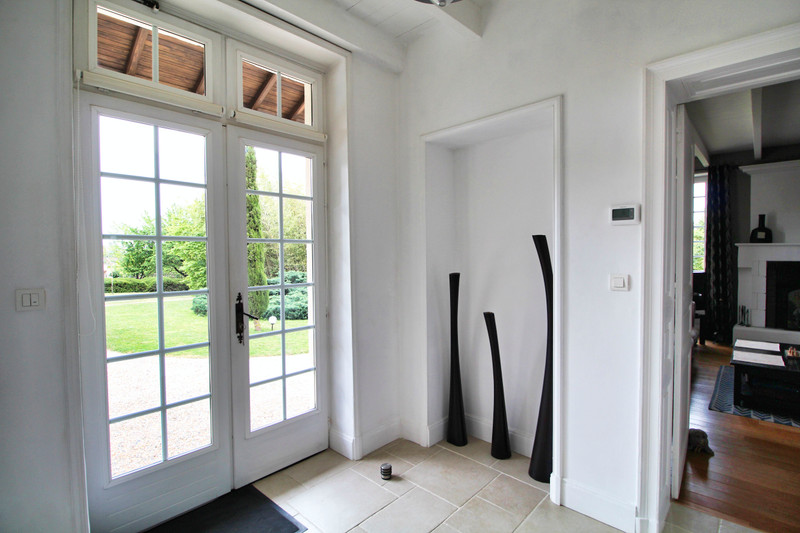 French property for sale in Rouillac, Charente - €350,000 - photo 5