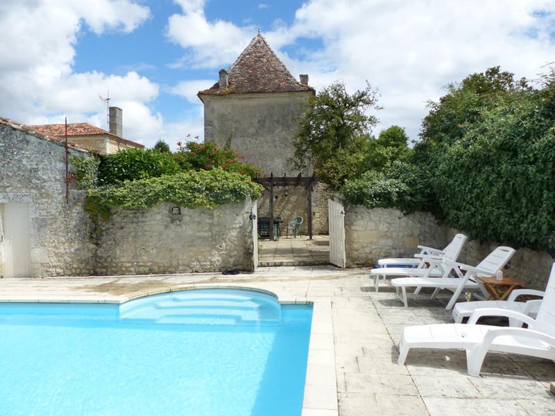 French property for sale in Plassac-Rouffiac, Charente - €318,000 - photo 2