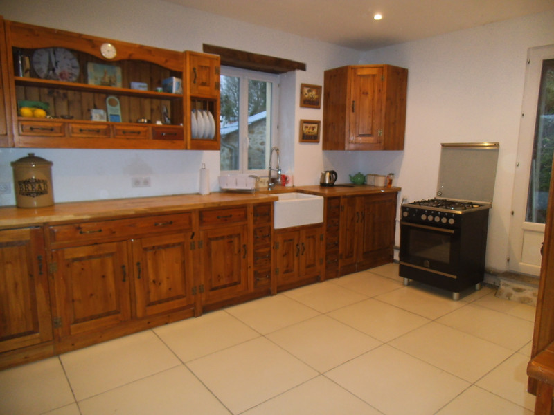 French property for sale in Ceyroux, Creuse - €136,250 - photo 5