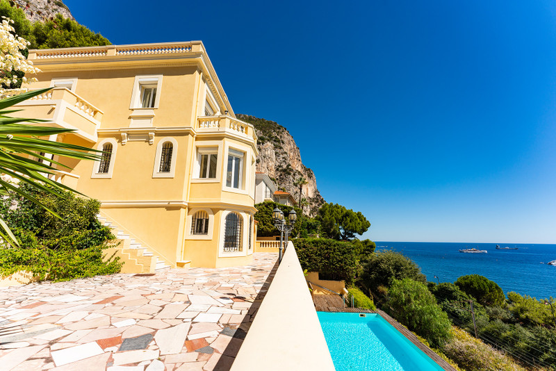French property for sale in Beaulieu-sur-Mer, Alpes-Maritimes - €3,950,000 - photo 2