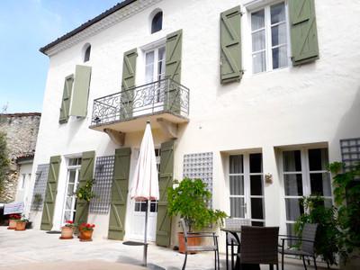 Beautiful maison de maître in the centre of a charming Gascon village.