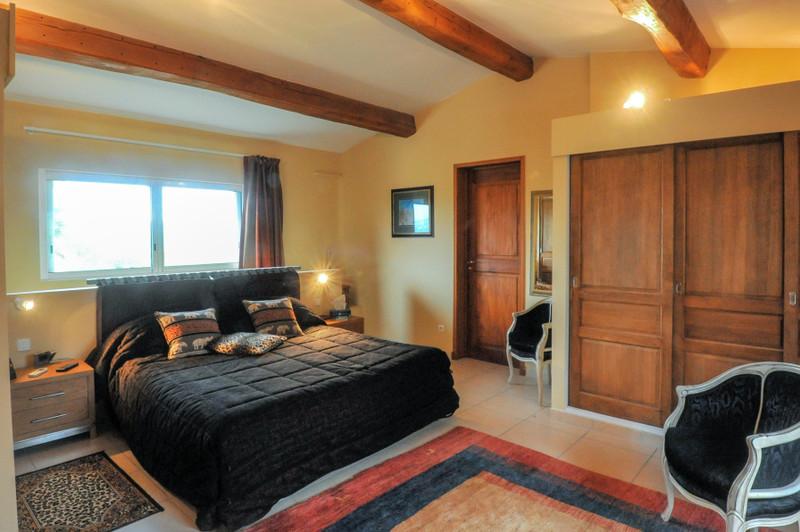 French property for sale in Saint-Paul-en-Forêt, Var - €1,050,000 - photo 5