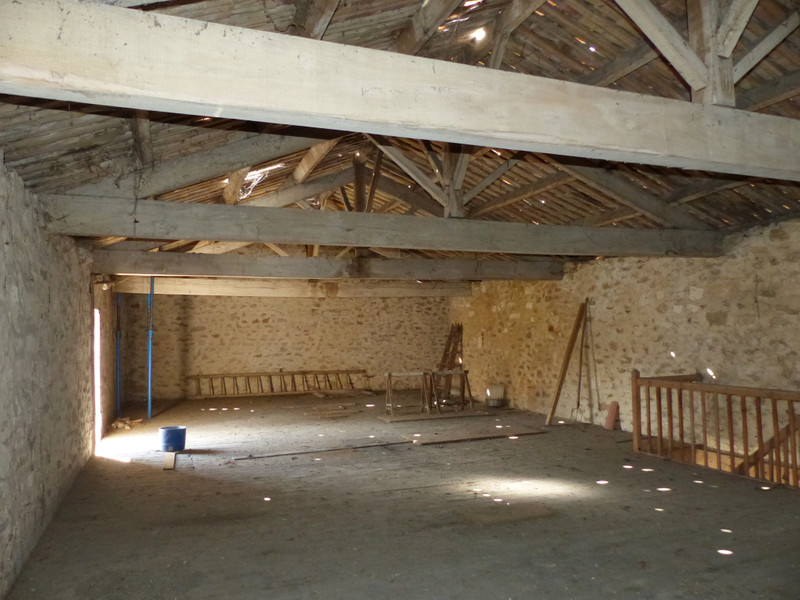 French property for sale in Fléac, Charente - €42,400 - photo 4
