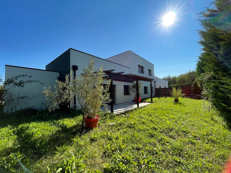French property for sale in Agen, Lot-et-Garonne - €630,000 - photo 2