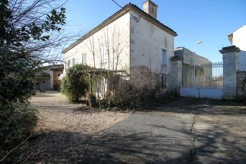 French property for sale in Matha, Charente-Maritime - €235,400 - photo 10