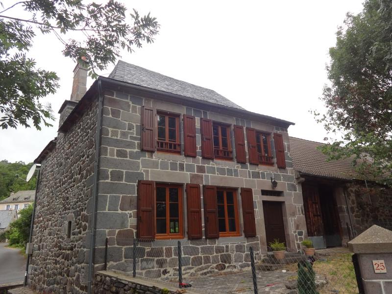 Maison à vendre à Dienne, Cantal - 224 700 € - photo 2