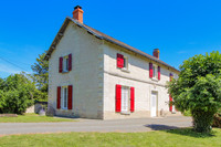 French property, houses and homes for sale inMonts-sur-GuesnesVienne Poitou_Charentes