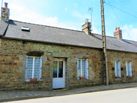 French property, houses and homes for sale inCarellesMayenne Pays_de_la_Loire