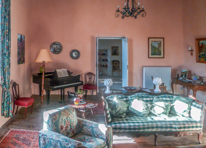 French property for sale in Verteillac, Dordogne - €975,000 - photo 5