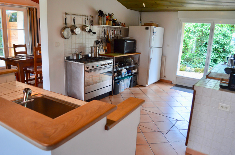 French property for sale in Margueron, Gironde - €335,000 - photo 5