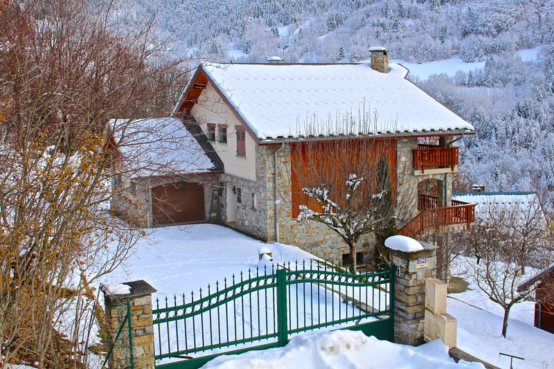 French property for sale in Vaujany, Isere - €1,190,000 - photo 2