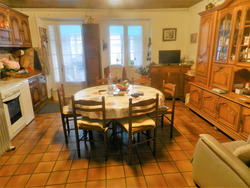 French property for sale in Availles-Limouzine, Vienne - €66,000 - photo 4