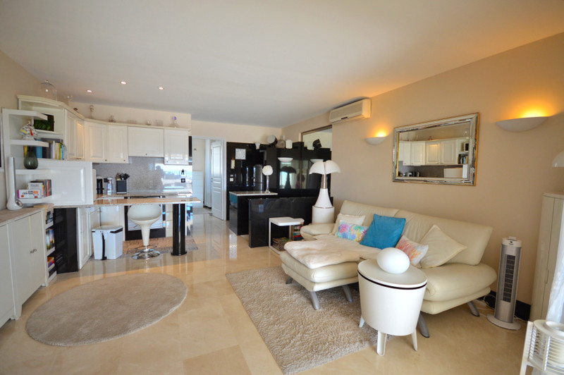 French property for sale in Cannes, Alpes-Maritimes - €455,000 - photo 5