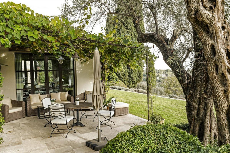 French property for sale in Châteauneuf-Grasse, Alpes-Maritimes - €5,900,000 - photo 4