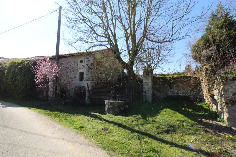 French property for sale in Les Salles-Lavauguyon, Haute-Vienne - €86,900 - photo 9